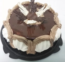 """Каждое воскресенье скидка 20% на торты и полоски теперь и в ТК """"Центр"""""""